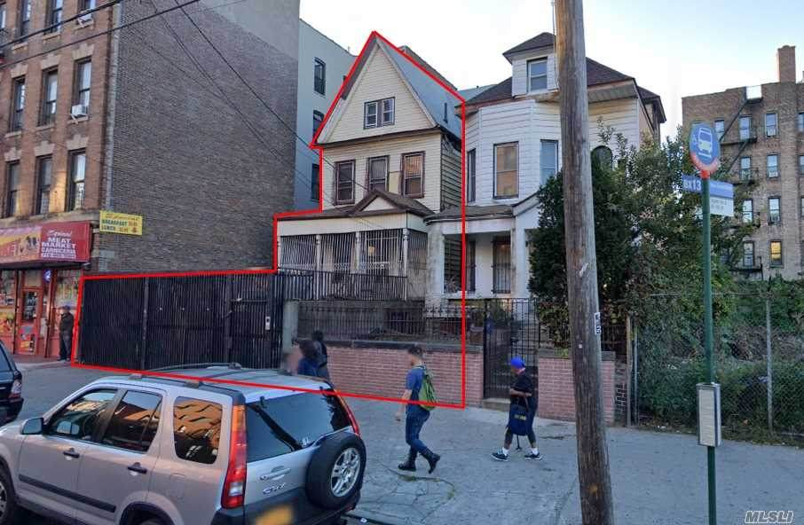 1041 Ogden Avenue - Photo 1