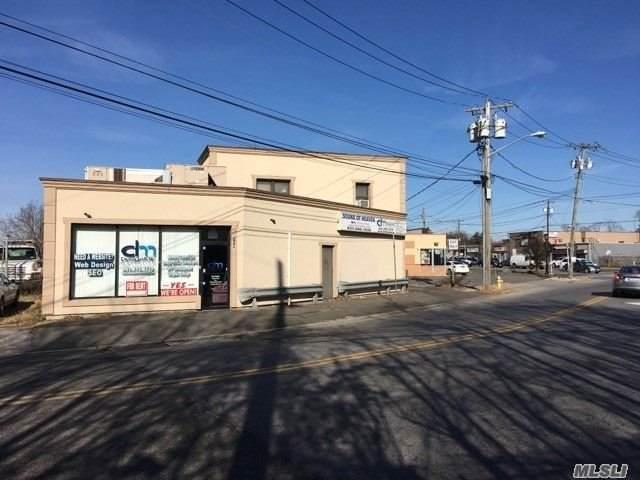 729 Long Island Avenue - Photo 1