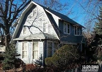 15 Gilbert Place, Roosevelt, NY 11575 (MLS #3252241) :: Nicole Burke, MBA | Charles Rutenberg Realty