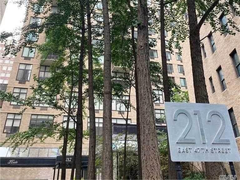 212 47 Street - Photo 1