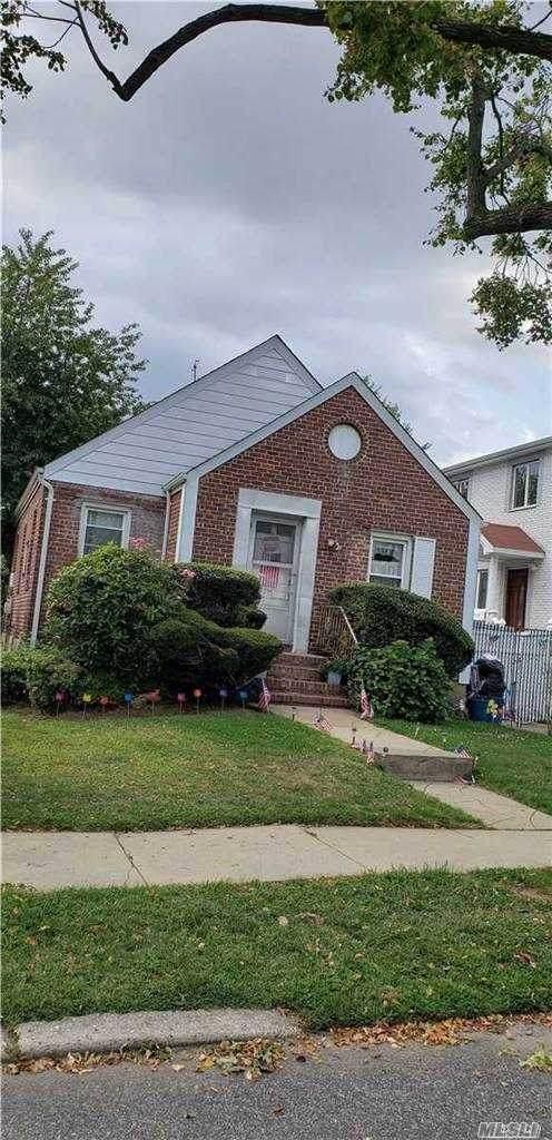 53-16 192 Street, Fresh Meadows, NY 11365 (MLS #3254899) :: The Home Team