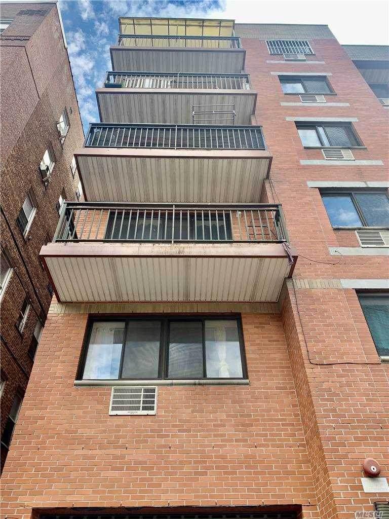 91-06 Whitney Ave - Photo 1