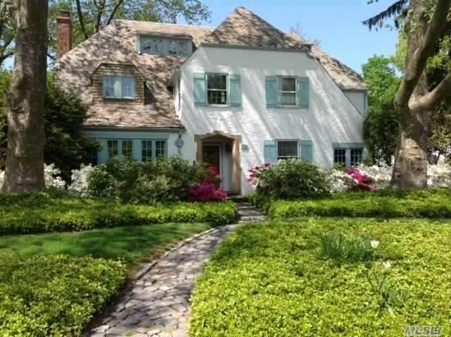 73 Poplar Street, Garden City, NY 11530 (MLS #3258180) :: Nicole Burke, MBA   Charles Rutenberg Realty