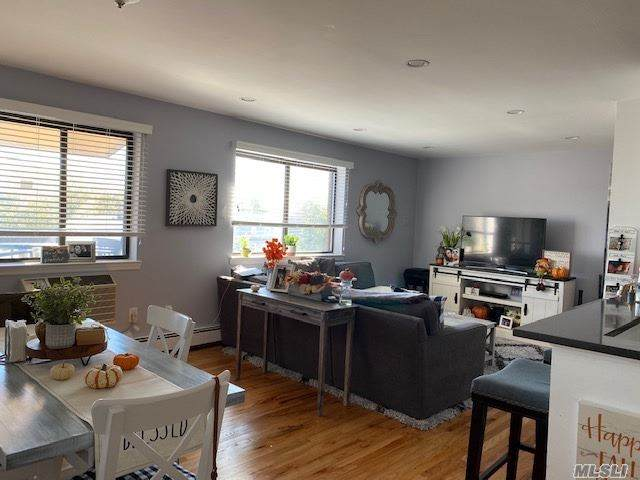 64-17 72nd Street 3D, Middle Village, NY 11379 (MLS #3258679) :: Cronin & Company Real Estate