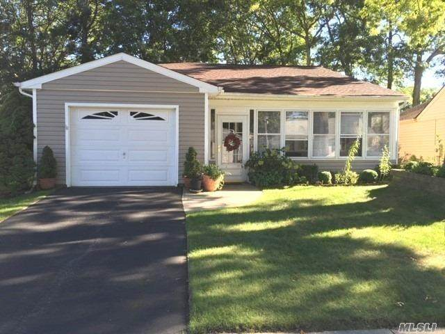322 Brownfield Drive, Ridge, NY 11961 (MLS #3258943) :: William Raveis Baer & McIntosh