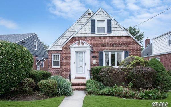 114 Euston Road S, W. Hempstead, NY 11552 (MLS #3260746) :: Nicole Burke, MBA | Charles Rutenberg Realty