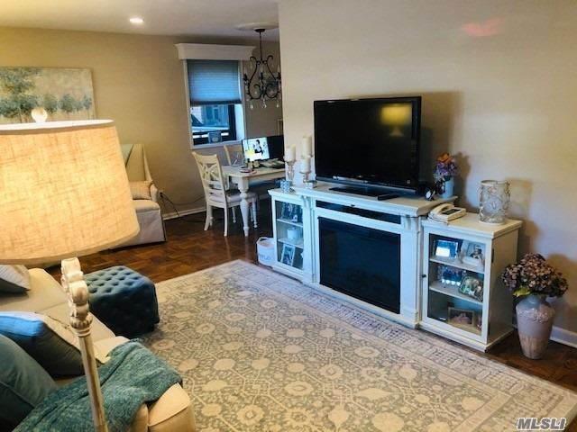 315 Atlantic Avenue 1P, E. Rockaway, NY 11518 (MLS #3261122) :: Nicole Burke, MBA | Charles Rutenberg Realty
