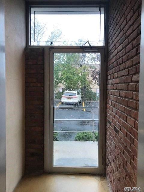 212 Mineola Avenue - Photo 1
