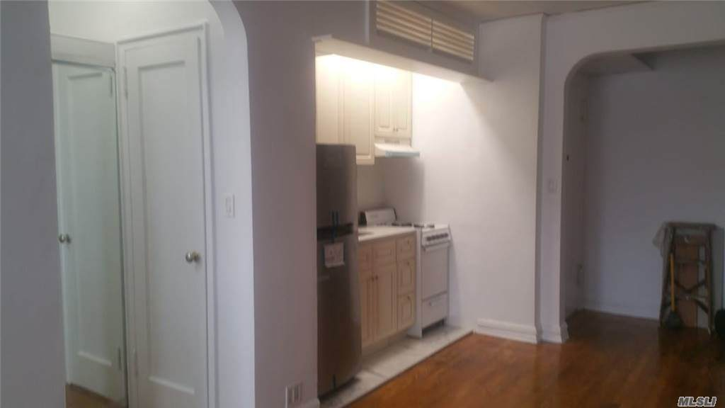 111-35 75th Avenue - Photo 1