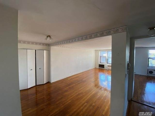 35-20 Leverich St C545, Jackson Heights, NY 11372 (MLS #3261971) :: Cronin & Company Real Estate