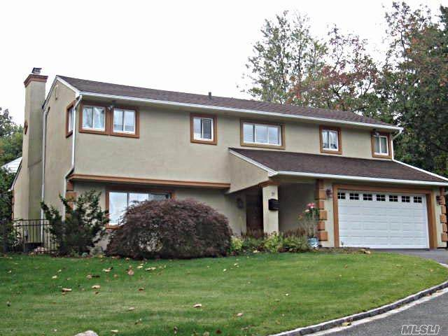 27 Briarwood Drive, Glen Cove, NY 11542 (MLS #3262225) :: Nicole Burke, MBA | Charles Rutenberg Realty