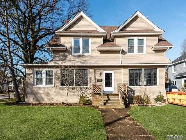 112 Elliott Place, Freeport, NY 11520 (MLS #3262996) :: Nicole Burke, MBA | Charles Rutenberg Realty