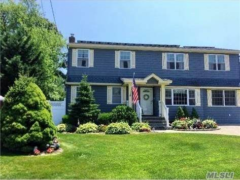 426 Brendan Ave, Massapequa Park, NY 11762 (MLS #3263166) :: Kendall Group Real Estate | Keller Williams