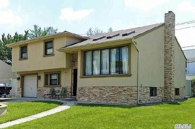 957 Kilmer Lane, Valley Stream, NY 11581 (MLS #3263193) :: Mark Boyland Real Estate Team