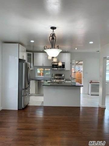 5 Kenmore Road, Valley Stream, NY 11581 (MLS #3263530) :: Signature Premier Properties