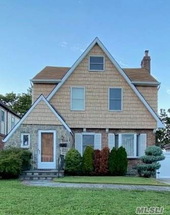 166-51 24th Road, Whitestone, NY 11357 (MLS #3263940) :: RE/MAX RoNIN