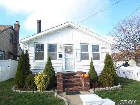 263 Oceanside Pkwy, Oceanside, NY 11572 (MLS #3264039) :: RE/MAX RoNIN