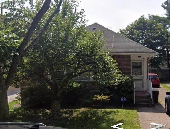 6958 230 Street, Bayside, NY 11364 (MLS #3264054) :: Kendall Group Real Estate | Keller Williams