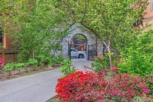 42-20 Kissena Blvd A8, Flushing, NY 11355 (MLS #3264375) :: McAteer & Will Estates | Keller Williams Real Estate