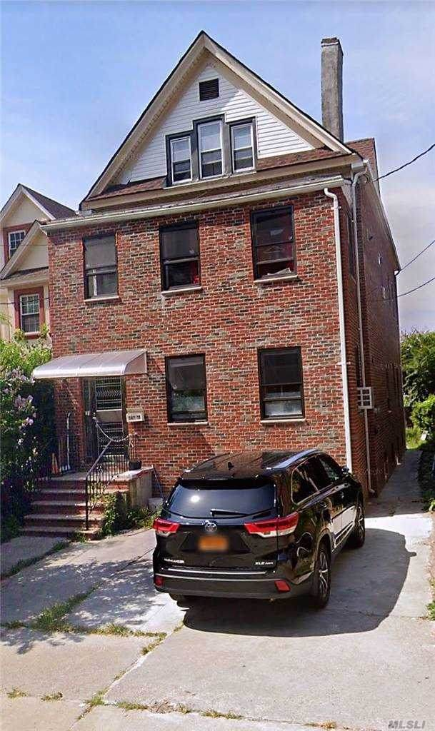 147-11 35th Ave, Flushing, NY 11354 (MLS #3264426) :: The McGovern Caplicki Team