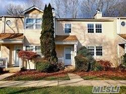22 Paine Commons, Yaphank, NY 11980 (MLS #3264961) :: Frank Schiavone with William Raveis Real Estate