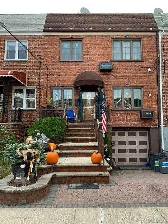 59-32 70th Street, Maspeth, NY 11378 (MLS #3265224) :: Keller Williams Points North - Team Galligan