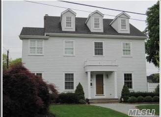 16 Apple Street, Syosset, NY 11791 (MLS #3265370) :: Cronin & Company Real Estate
