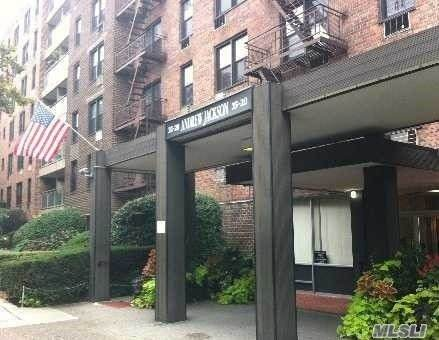 35-20 Leverich Street B725, Flushing, NY 11372 (MLS #3265768) :: Mark Boyland Real Estate Team