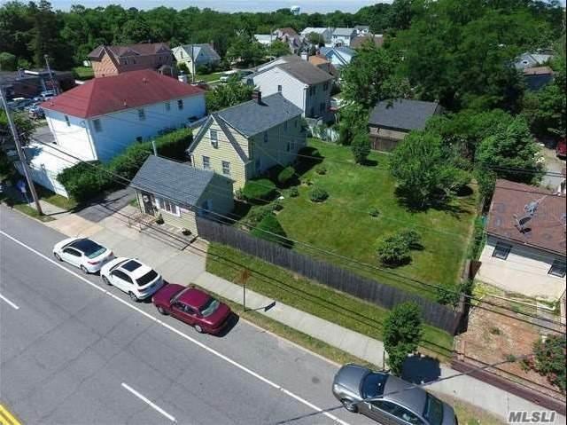 837 Willis Avenue - Photo 1