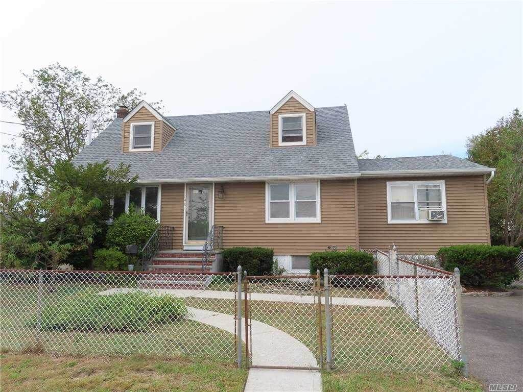 146 Hampton Rd - Photo 1