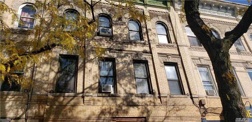 127 Irving Avenue - Photo 1
