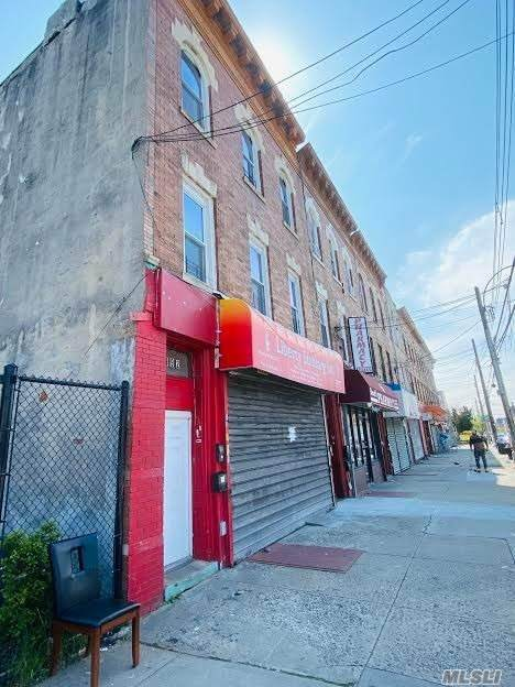 992 Sutter Avenue - Photo 1
