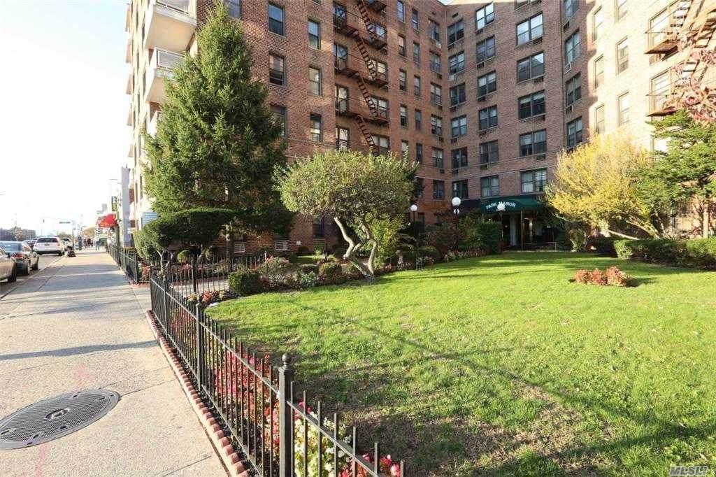 100-25 Queens Blvd - Photo 1