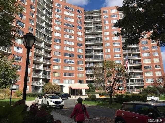 220-55 46th Avenue 5C, Bayside, NY 11361 (MLS #3269825) :: McAteer & Will Estates   Keller Williams Real Estate
