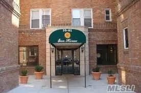 35-91 161st Street 3D, Flushing, NY 11358 (MLS #3269966) :: Mark Boyland Real Estate Team