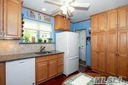 69 Crown Ave - Photo 1