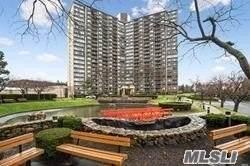 One Bay Club Drive 15 B, Bayside, NY 11360 (MLS #3270401) :: McAteer & Will Estates | Keller Williams Real Estate
