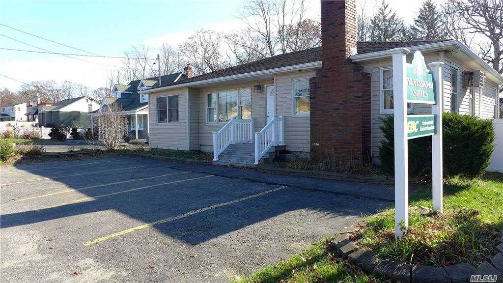 1808 Middle Country Road - Photo 1