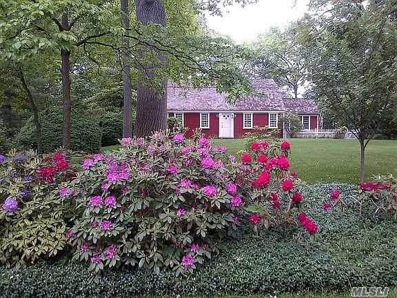 149 Circle Dr, Manhasset, NY 11030 (MLS #3271501) :: Signature Premier Properties