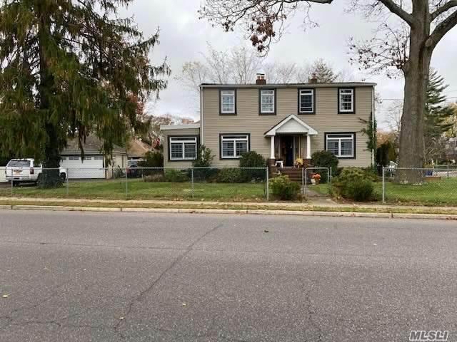 240 Bayview Avenue - Photo 1