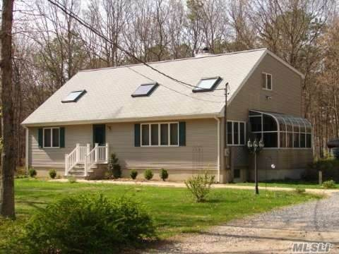 142 Halsey Manor Road, Manorville, NY 11949 (MLS #3271916) :: Cronin & Company Real Estate