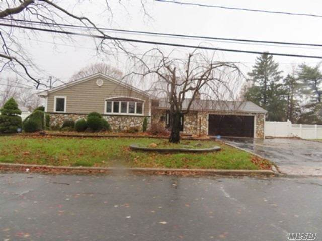 56 Wheatfield Ln, Commack, NY 11725 (MLS #3272302) :: Keller Williams Points North - Team Galligan