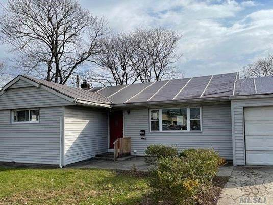 1922 Front St, East Meadow, NY 11554 (MLS #3273222) :: Signature Premier Properties