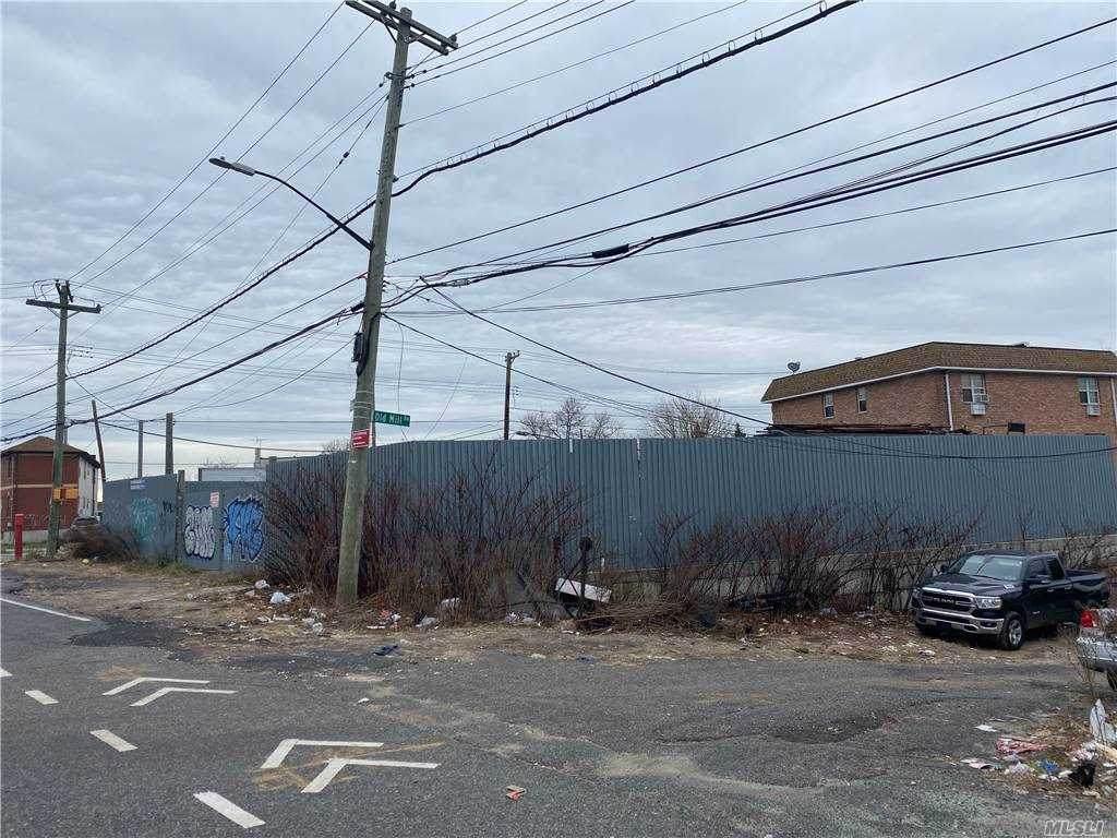 680 Cozine Avenue - Photo 1