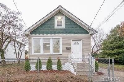 345 Sherman Street, Westbury, NY 11590 (MLS #3273712) :: Howard Hanna Rand Realty