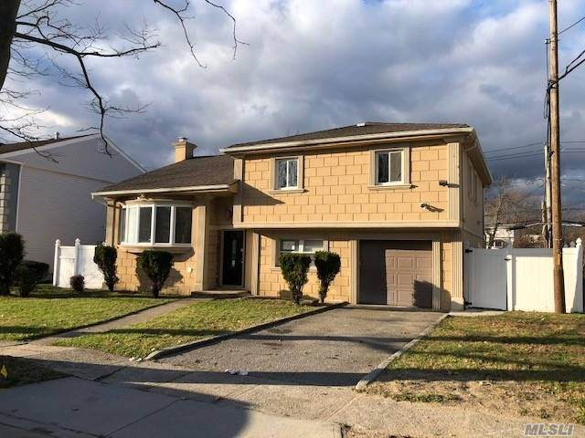 831 Flanders Drive, Valley Stream, NY 11581 (MLS #3274854) :: RE/MAX RoNIN