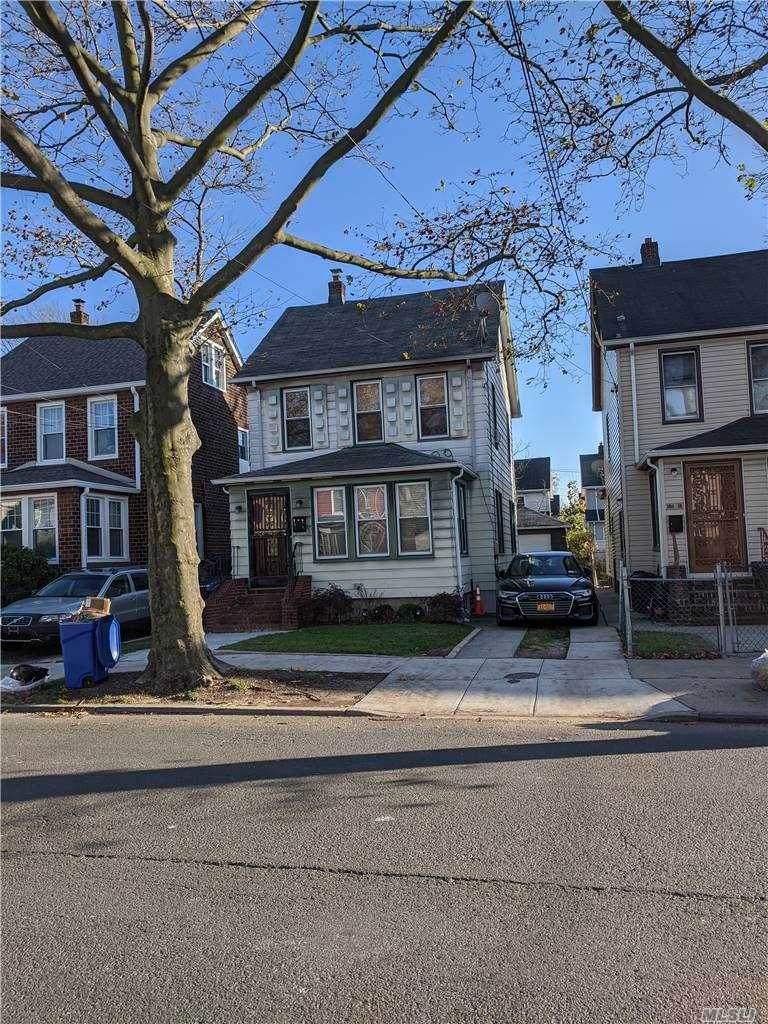 194-20 Murdock Avenue - Photo 1