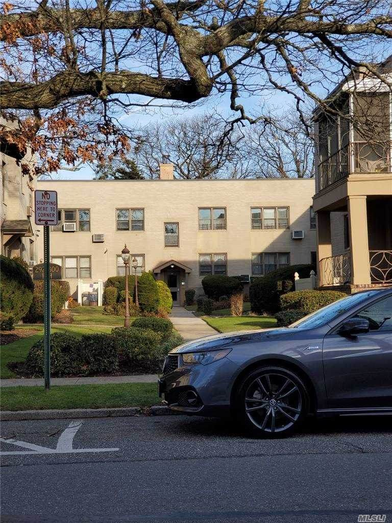 292 Cedarhurst Avenue - Photo 1