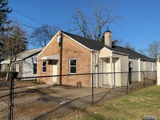 11 Pilot Street, Hempstead, NY 11550 (MLS #3277599) :: Frank Schiavone with William Raveis Real Estate