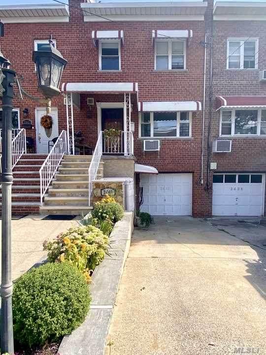 2440 Wilson Avenue, Bronx, NY 10469 (MLS #3278536) :: Kevin Kalyan Realty, Inc.